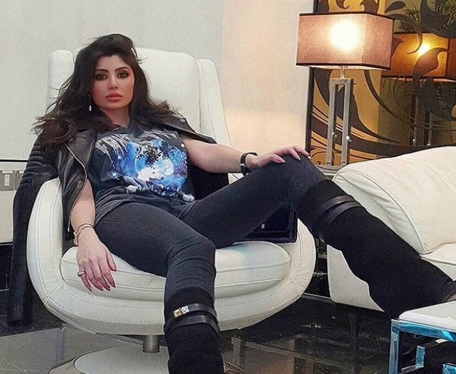 دوللي عياش تقلق محبيها بصورة جديدة لها