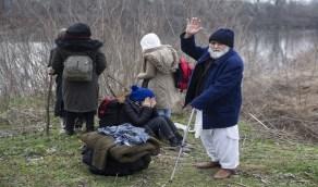 نساء سوريات يرفضن التصوير بعد تهجير تركيا لهن