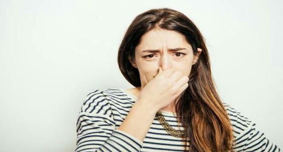 طرق تخلصك من رائحة السرة الكريهة
