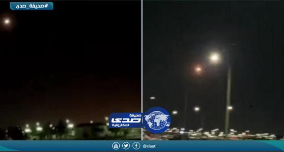بالفيديو.. اعتراض 3 صواريخ باليستية قرب «ينبع الصناعية»