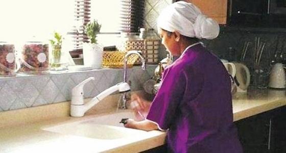 مكتب الرياض ينهي معاناة عاملة سريلانكية لم تأخذ راتبها من 7 سنوات