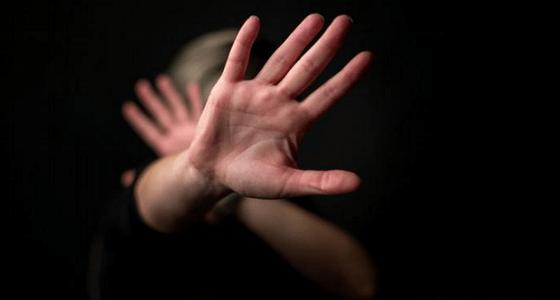 اغتصاب متزوجة أغوتها صديقة السوء بتكوين صداقات مع الرجال