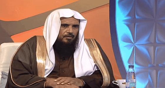بالفيديو..«الخثلان» الراتب المبني على قرض «ربوي» للعمل بالخارج «حلال» !