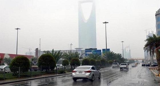 استمرار هطول الأمطار الرعدية على 8 مناطق بالمملكة