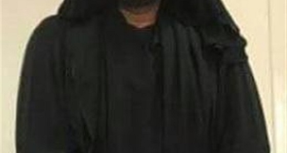 مُجرم يستعين بالنقاب لذبح صديق عمره
