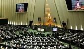 إيراني يدعو لإحراق رجال الدين بعد استبعاده من الانتخابات