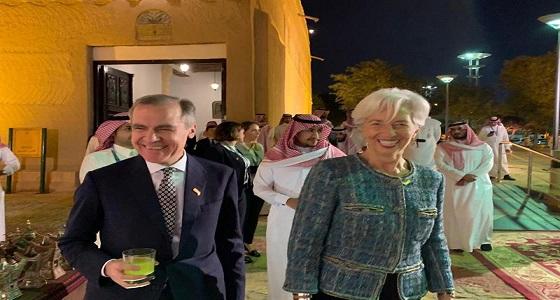 بالصور.. رئيسة البنك المركزي الأوروبي تستمتع بزيارتها للمملكة