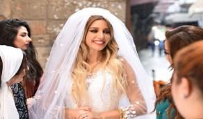 دانا الحلبي تثير الجدل بموعد زفافها
