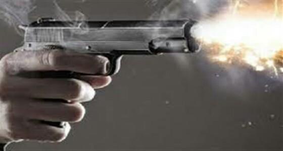 شاب يطلق النار عشوائيا اعتراضا على زواج والدته دون علمه