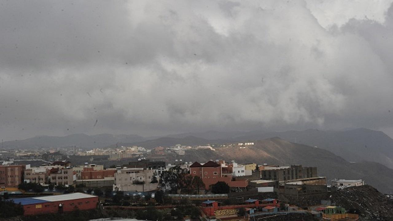 توقعات بهطول أمطار رعدية على جازان