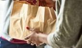 الطريقة الآمنة للتعامل مع طلبات الأكل «الديليفري»