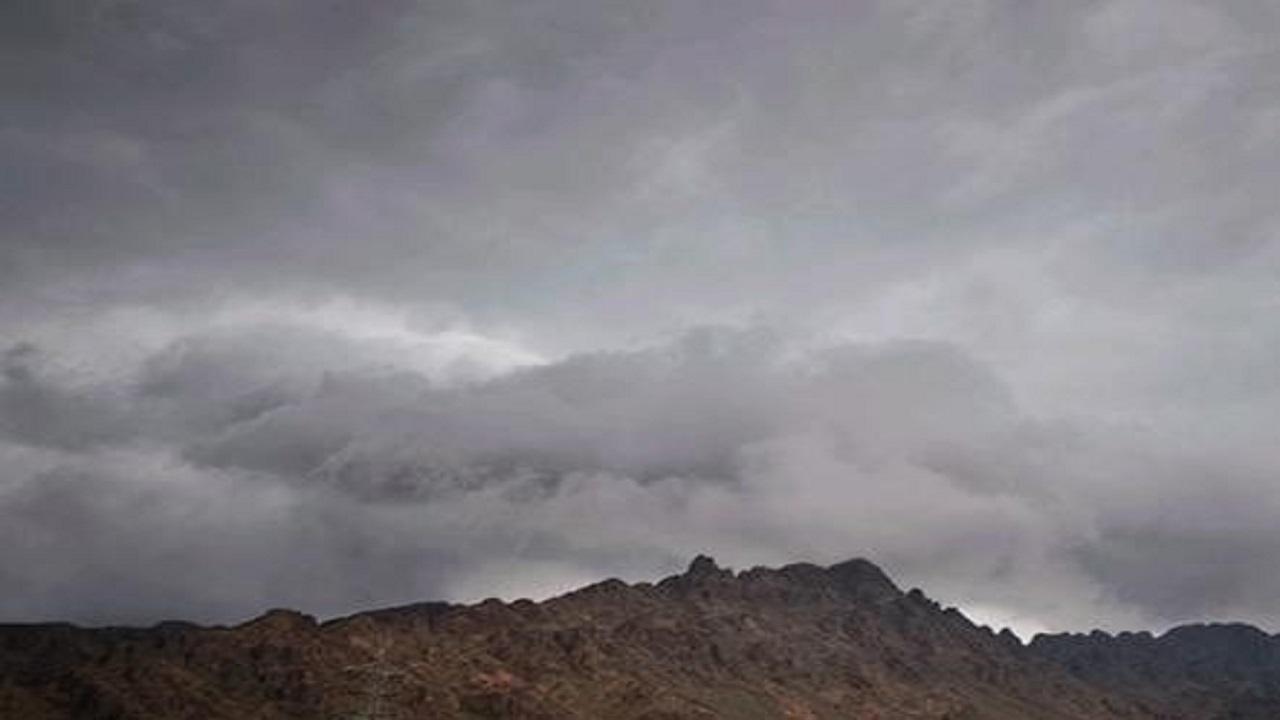 مدني الحدود الشمالية يحذر من التقلبات الجوية التي تشهدها المنطقة
