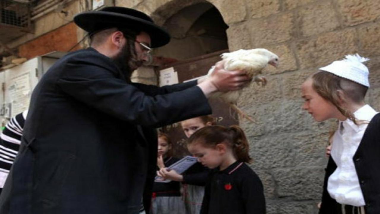 """اليهود يزعمون أن الاحتفال بعيد المساخر يمنع """" كورونا """" ولم يحضره أحد"""
