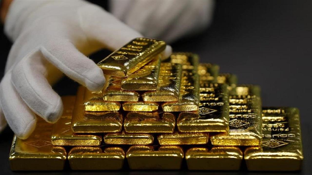 سعر الذهب في التعاملات الفورية ينخفض بنسبة 1.55 %