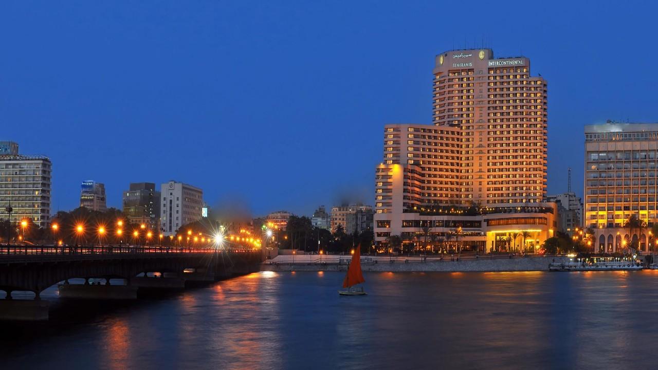 انخفاض حاد في أسعار فنادق القاهرة بعد تفشي «كورونا»