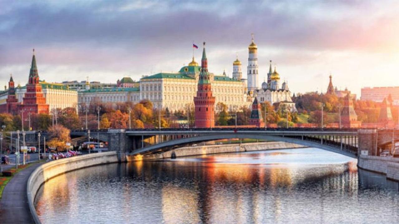 روسيا تبدأ خسائرها في تصدير النفط