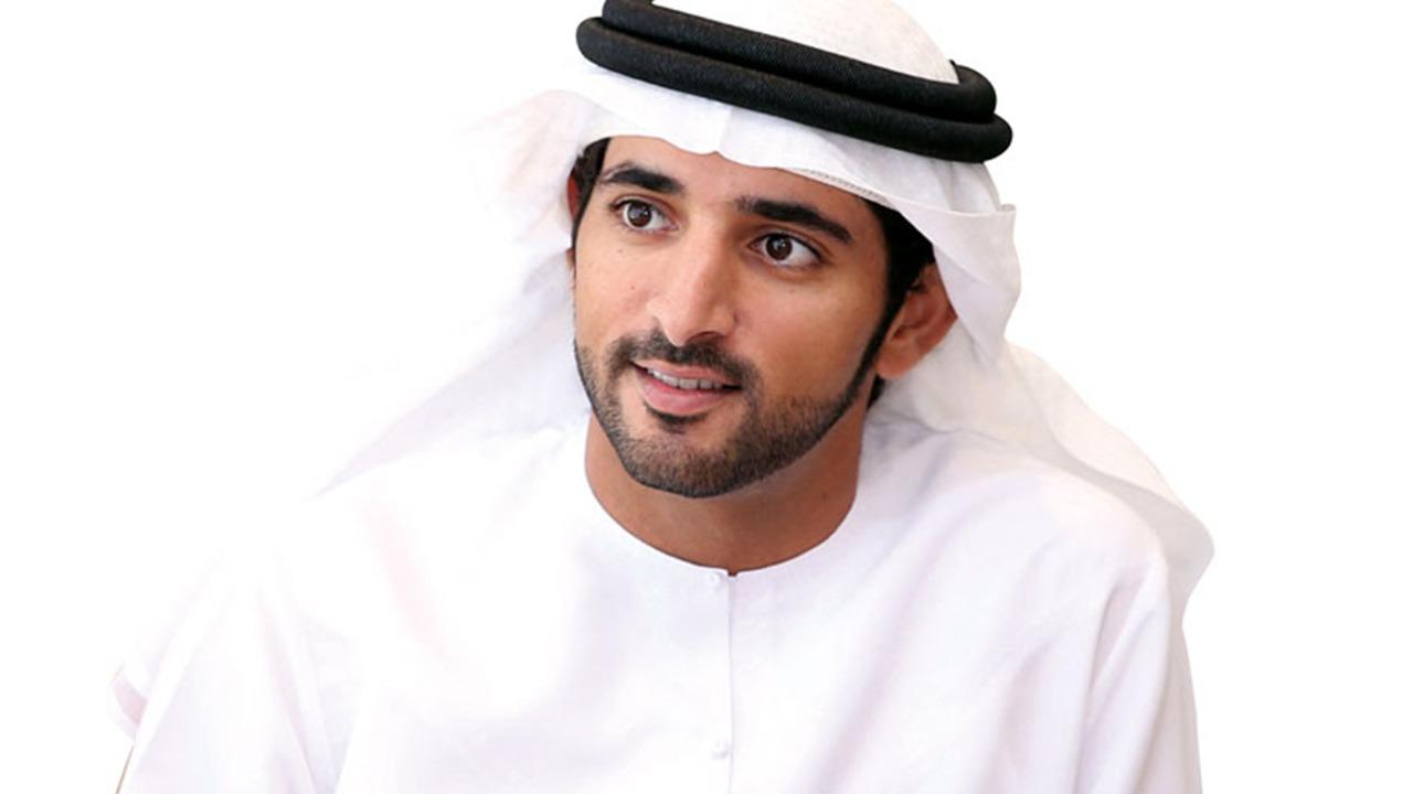 ولي عهد دبي يُعلن خفض رسوم البلدية إلى 50%