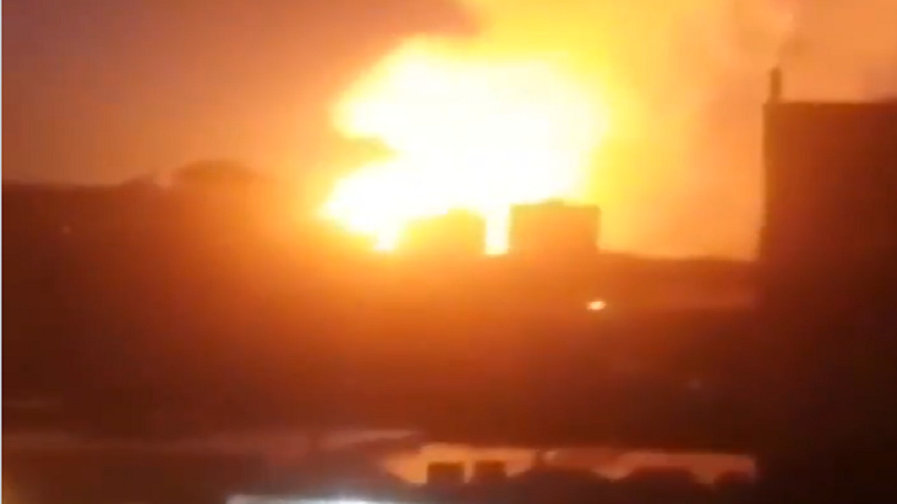 بالفيديو.. ألسنة النيران تلتهم أنبوب الغاز الإيراني في تركيا