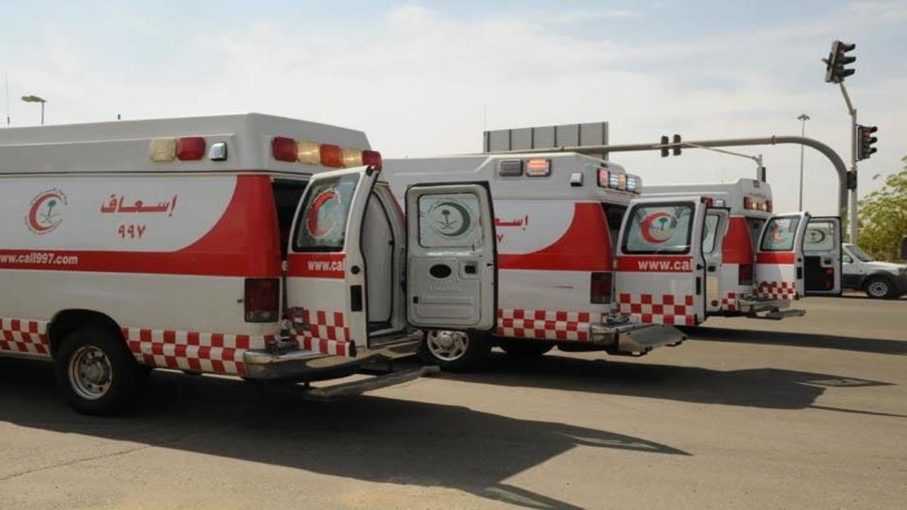 إصابة شخصين في حادث اصطدام مركبة ودراجة نارية بالليث