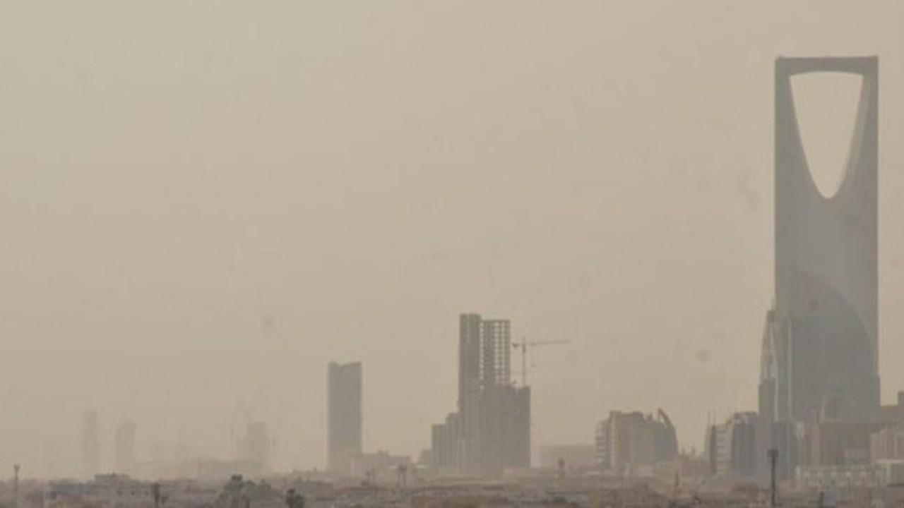 «الدفاع المدني» يحذر من تقلبات جوية في الرياض