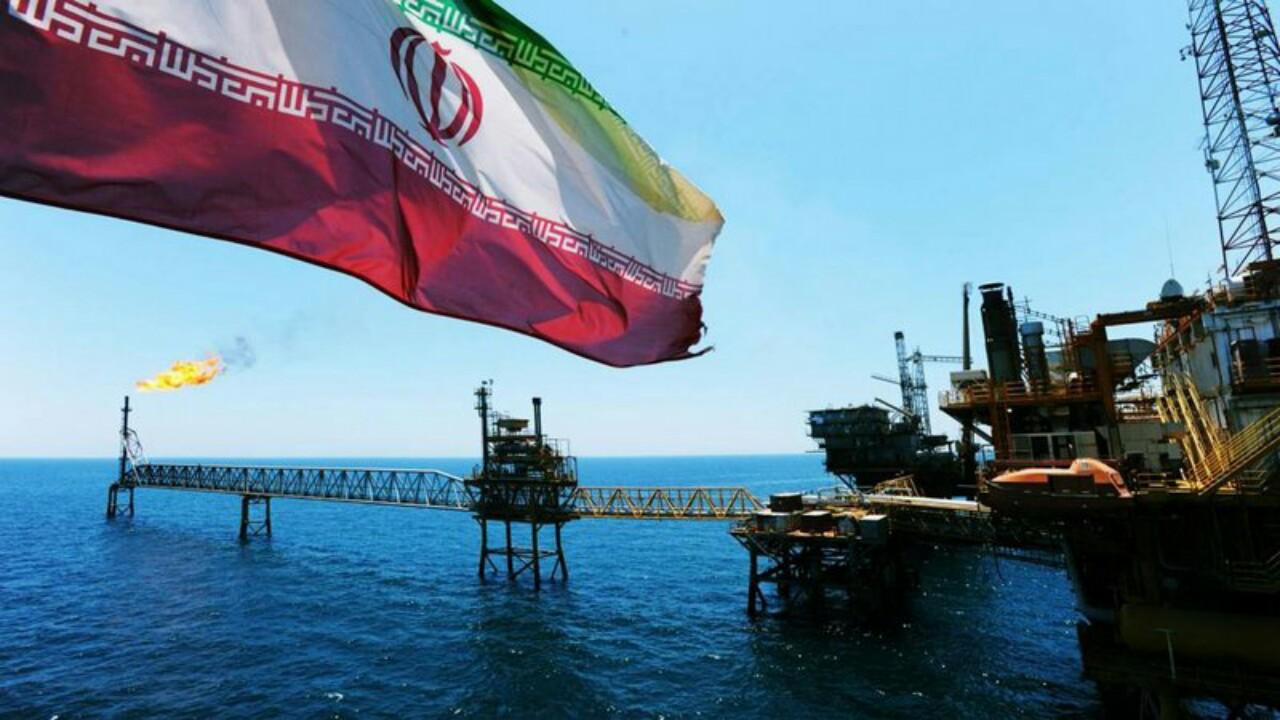 وثائق سرية: العقوبات الأمريكية عطلت ربع منصات الحفر النفطي في إيران