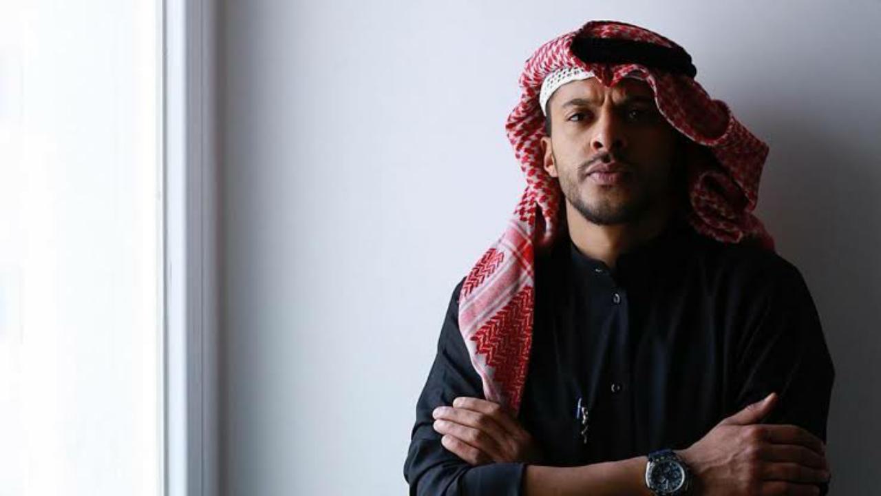 انتقادات لممثل كويتي بسبب ظهوره شبه عاريا