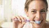 تحذير من غسيل الأسنان بعد الطعام مباشرةً