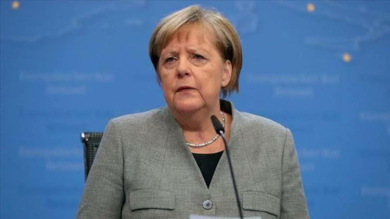 ميركل تستقبل حفتر في برلين للحديث حول الأزمة الليبية