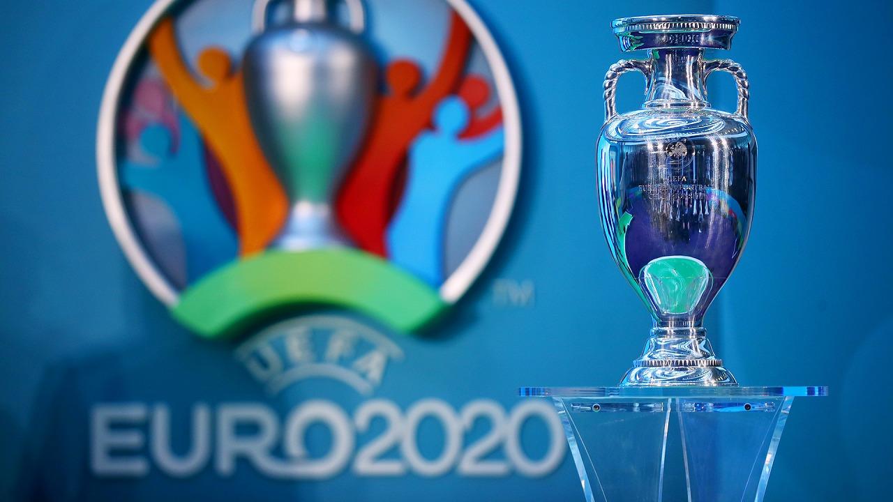 اليويفا يدرس تأجيل يورو 2020 بعد تفشي الفيروس