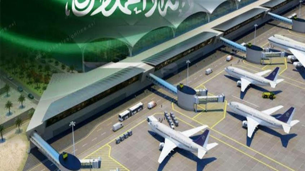 بالفيديو.. لحظة دخول المواطنين الطائرة لعودتهم من الإمارات للمملكة