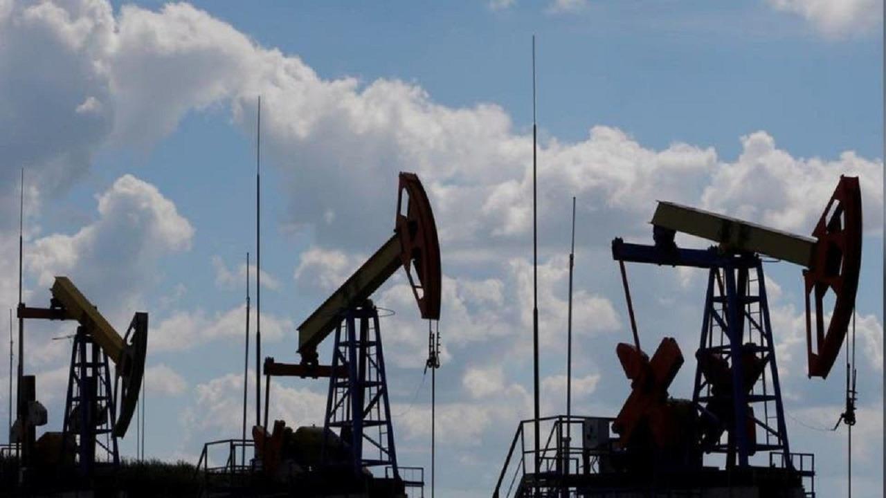 الإمارات تدعم المملكة وتتحدى روسيا في أسواق النفط