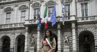 تنكيس أعلام إيطاليا حدادًا على ضحايا الفيروس