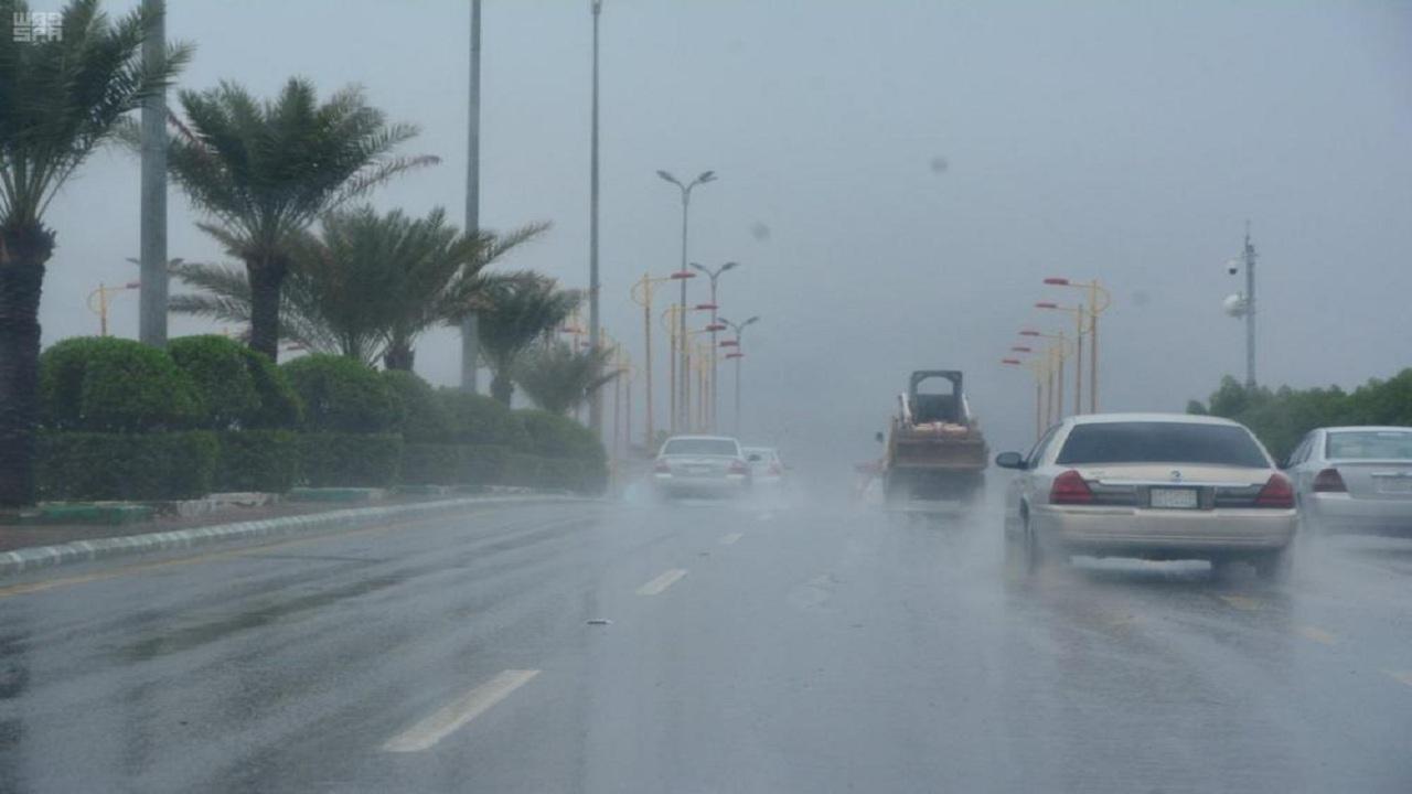 أمطار الخير تهطل على الكامل وخليص