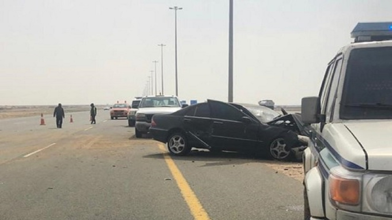 إعاقة الحركة المرورية على طريق الحرمين إثر حادث مروري
