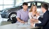أشياء تركز فيها المرأة عند شراء سيارة