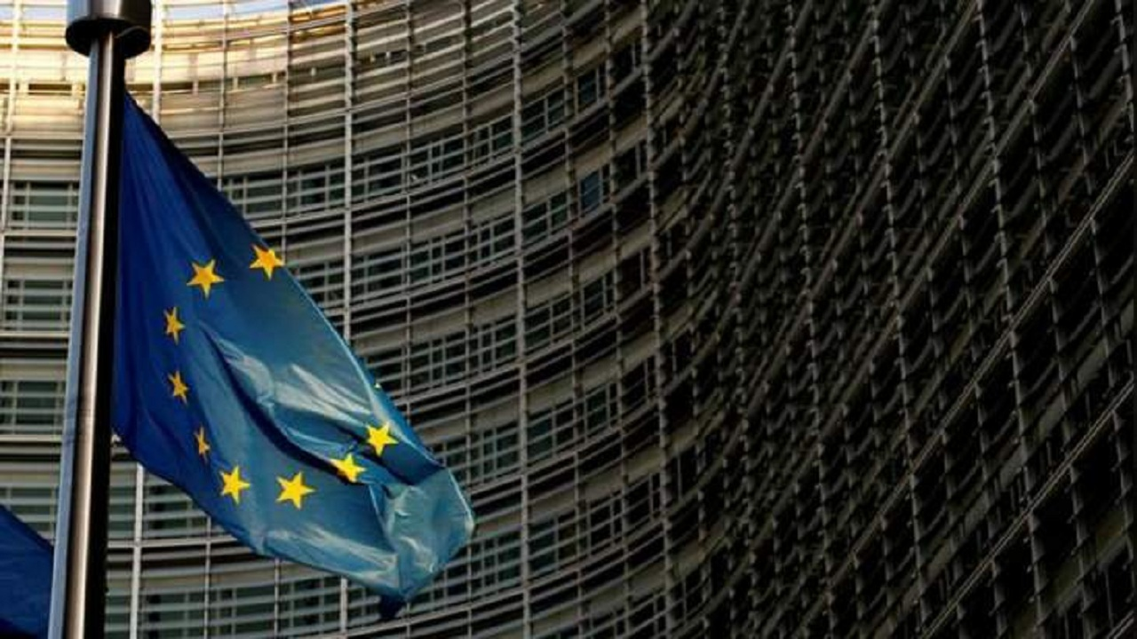 """الاتحاد الأوروبي يُعلق على منع """"ترامب"""" سفر الأمريكيين إليه"""