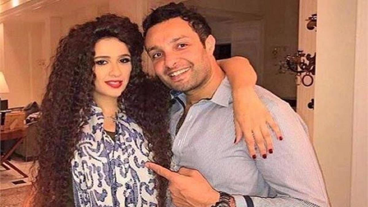 """شقيق ياسمين عبدالعزيز لـ """" منى فاروق """" : مش كنتي هتنتحري"""
