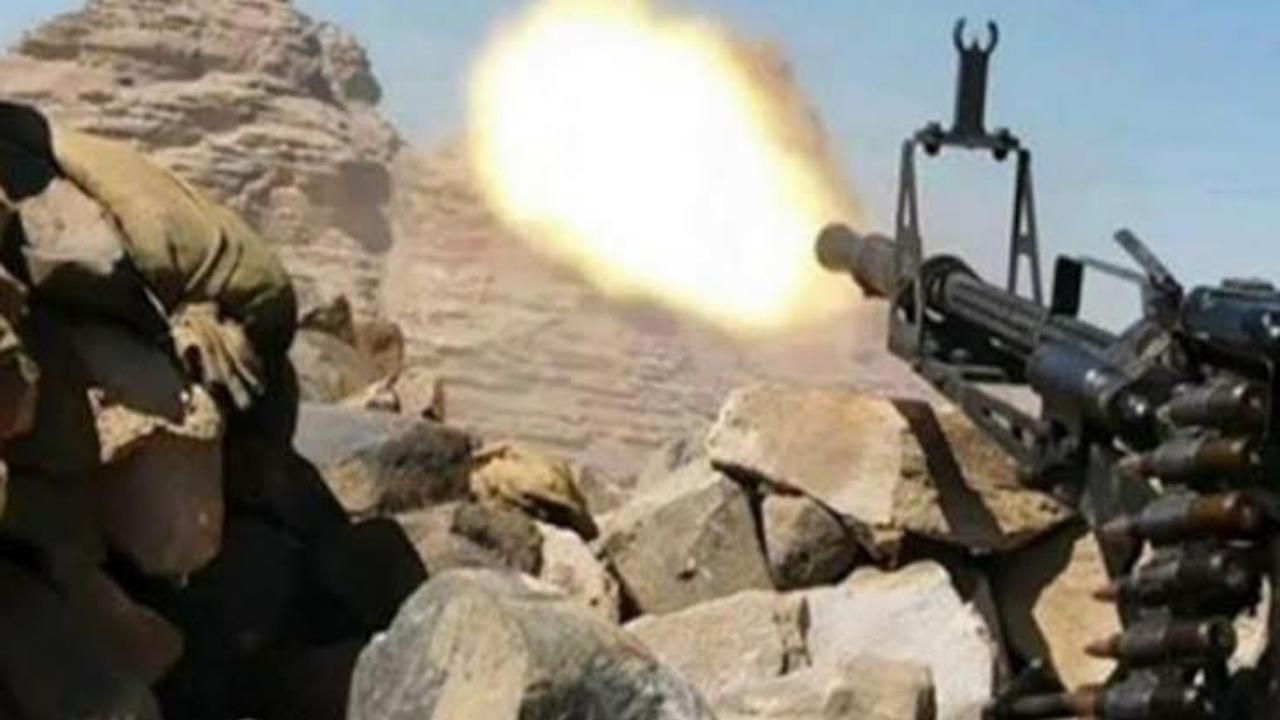 بالفيديو.. القوات المسلحة تلقن ميليشيات الحوثي هزيمة نكراء