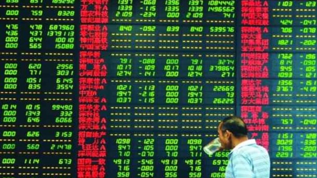 مؤشر سوق هونج كونج يهبط 7% في مطلع تداولات اليوم