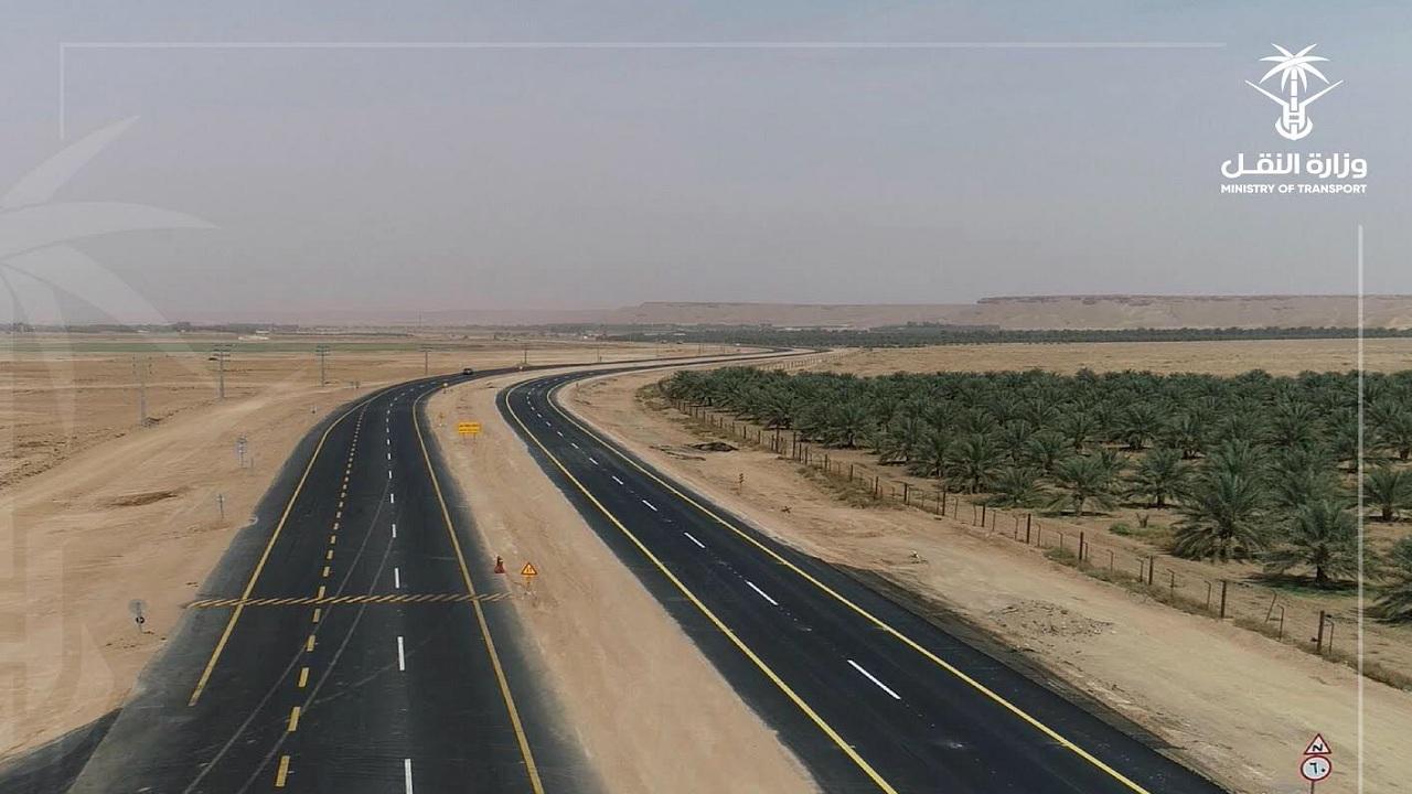 افتتاح حركة السير على الطريق الرابط بين الزلفي والغاط وطريق الرياض - القصيم (صور)