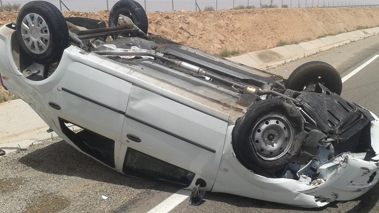 إصابات في انقلاب مركبة برابغ