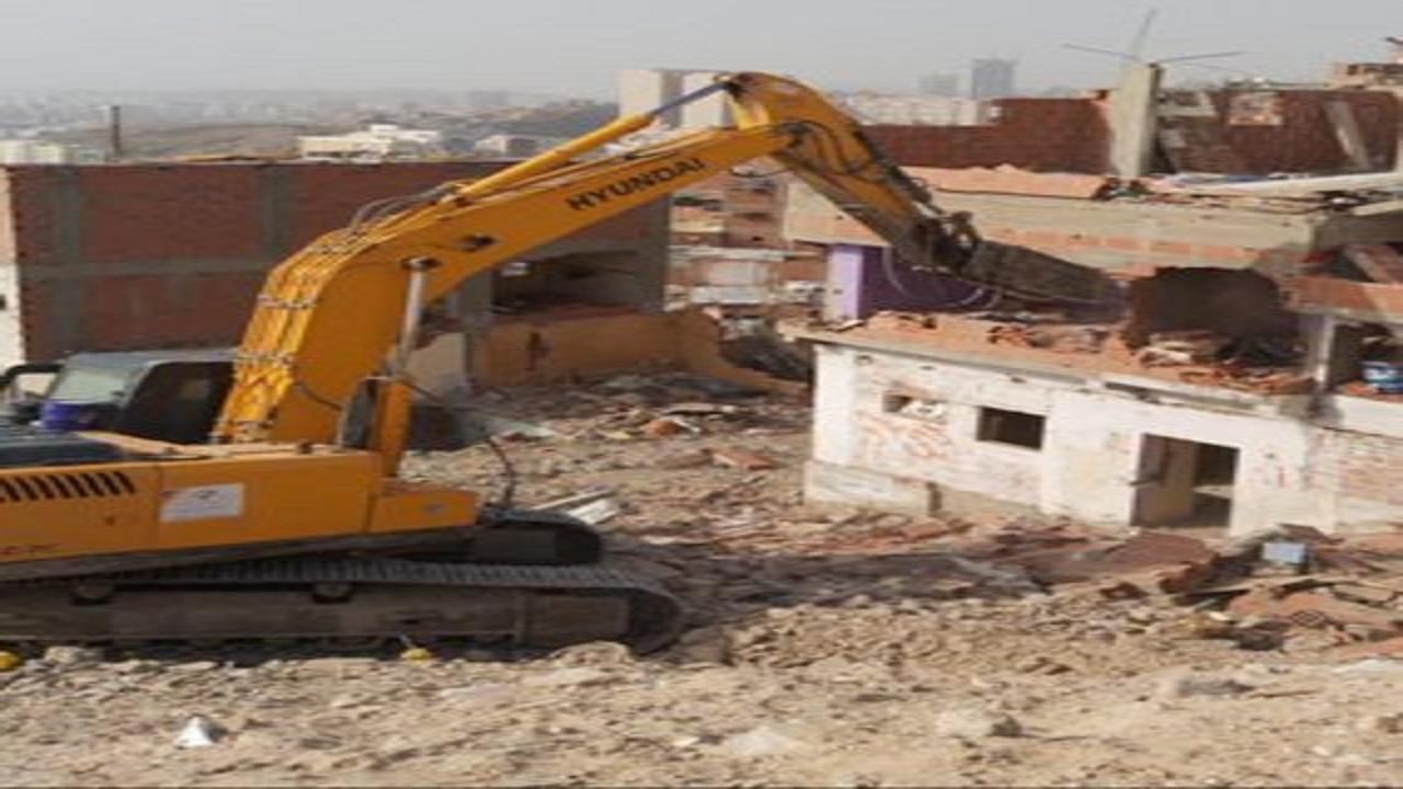 بدء إزالة 114 عقاراً بحي النكاسة العشوائي في مكة المكرمة