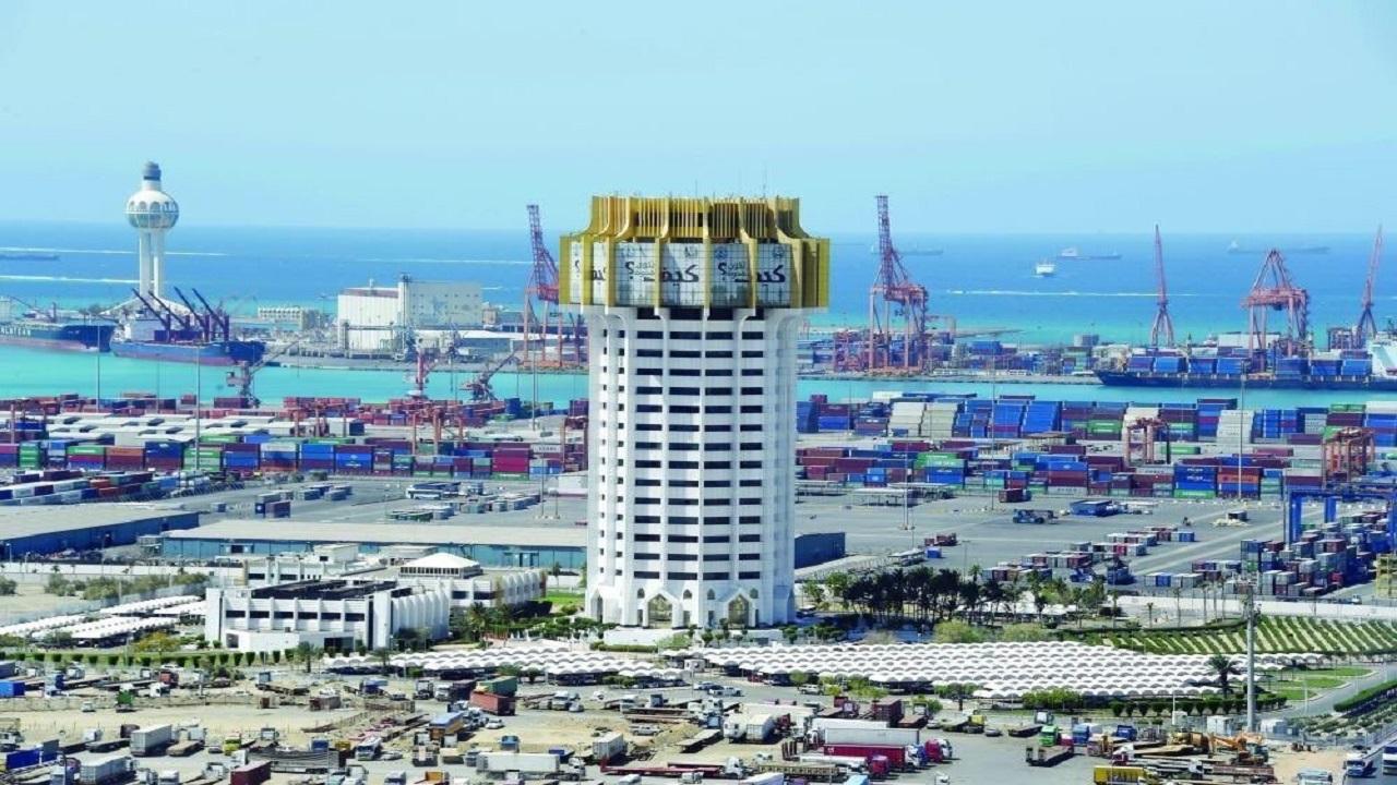 إيقاف حركة الملاحة البحرية بميناء جدة الاسلامي