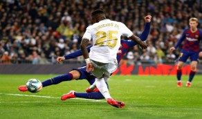 تفاصيل عرض باريس سان جيرمان لشراء فينيسيوس من ريال مدريد