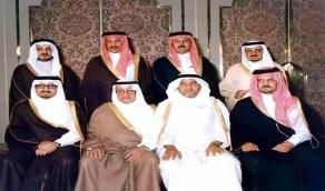 صورة قديمة لجميع أبناء الملك فيصل بن عبدالعزيز