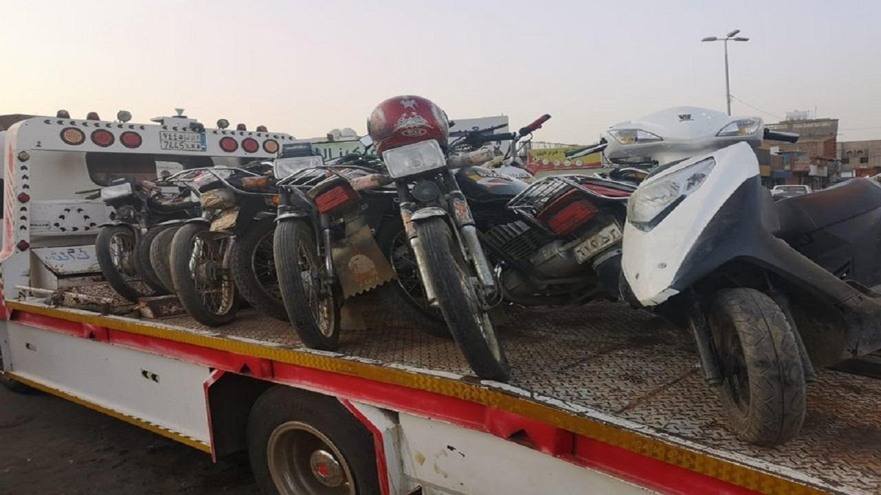 شاهد.. شرطة صبيا تشنّ حملة للقبض على مخالفي الدراجات النارية