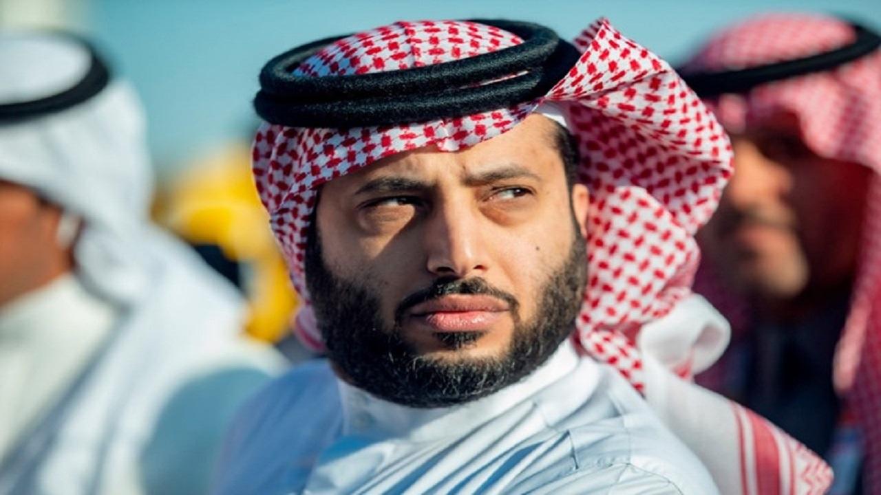 آل الشيخ يثير جدل متابعيه برسالة غامضة