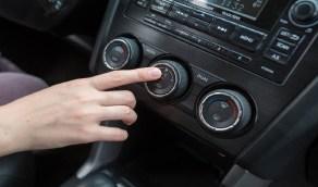خبراء السيارات يكشفون الوقت المناسب لتغيير فلتر التكييف