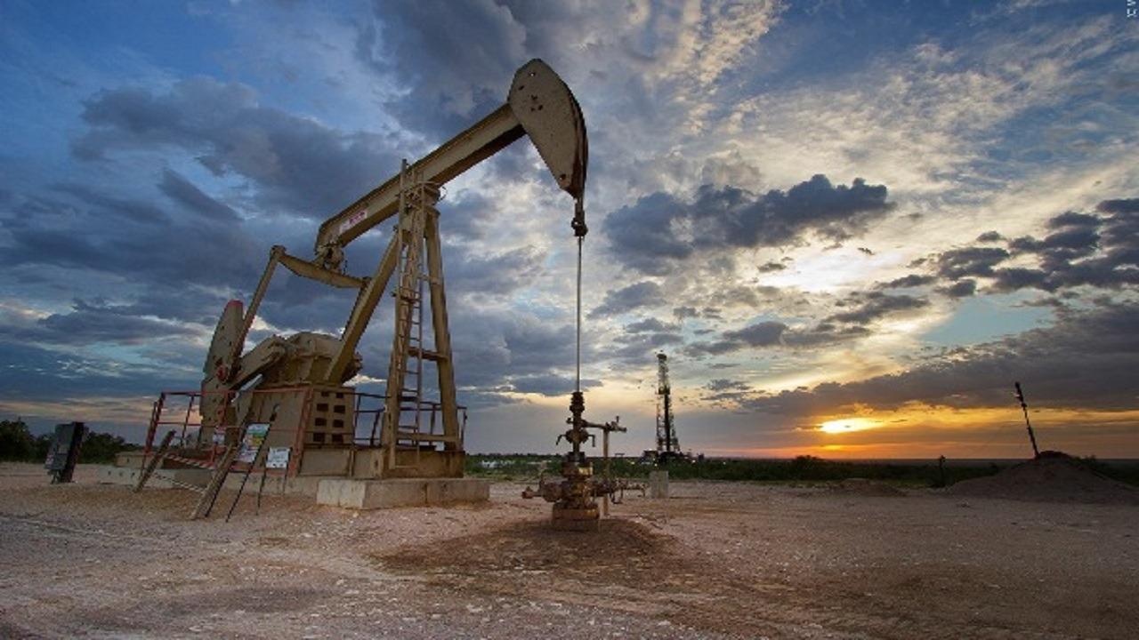 روسيا: مستعدون لخفض إنتاج النفط إلى 1.6 مليون برميل