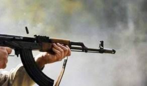 رجل يُطلق النار على 4 رجال وامرأة إثر صوتهم العالي